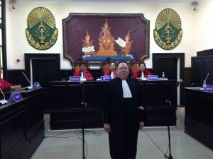 Yatvin takes Bar oath before the Appeal Chamber of the Court of Cambodia